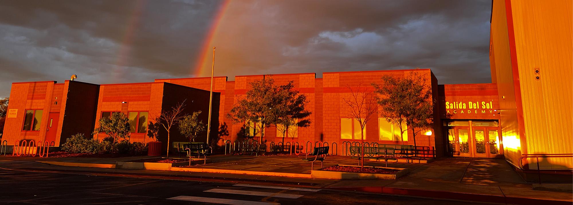 Salida del Sol Academy school building