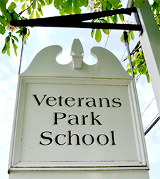 Veterans Park School sign