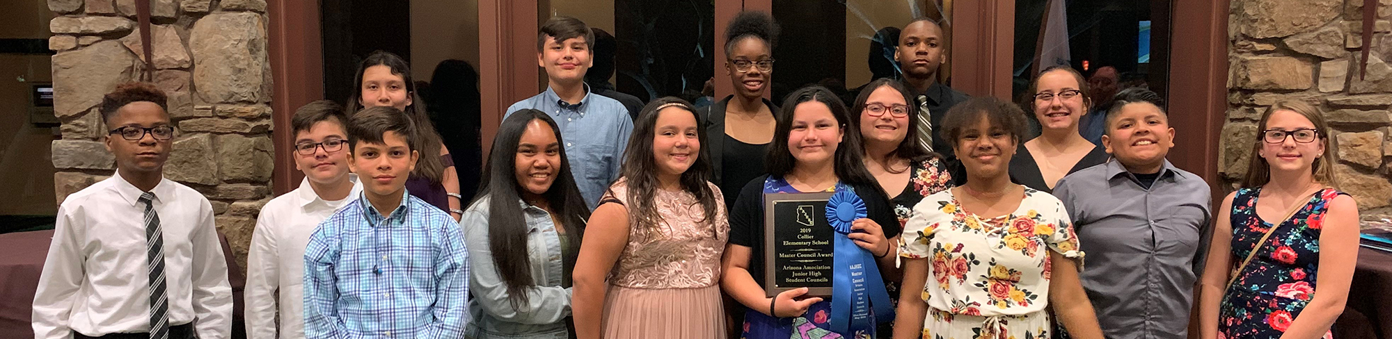 Students pose together with the 2019 Master Council Award