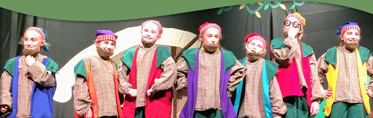 Students dressed as seven dwarfs