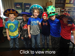 Students pose in sombreros
