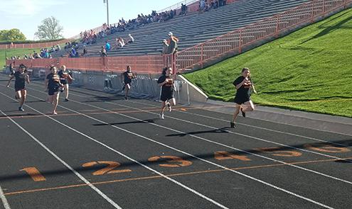 track meet runners