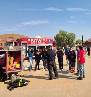 Bowie Volunteer Fire Department visiting students