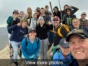View photos from hike to Heart Mountain