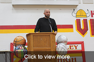 Click to view more photos from the Athletic Banquet