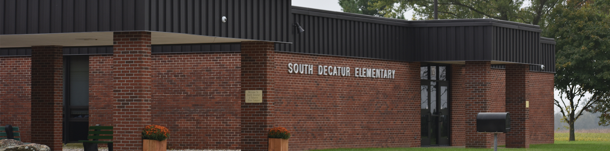 Front view of South Decatur Elementary