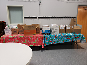 boxes of food ready to be delivered