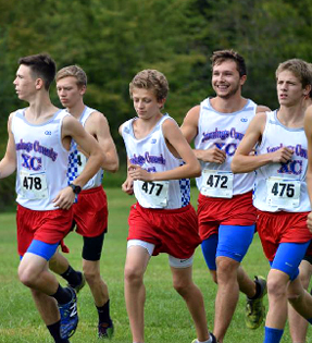 boys track team running