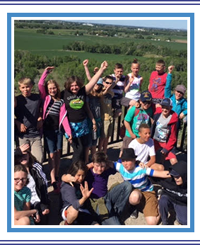 Group on Monticello Montessori students outside overlooking the countryside