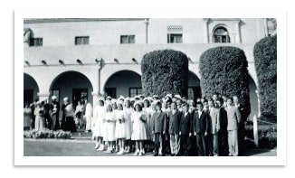 1924 photo of the orphanage with kids in front