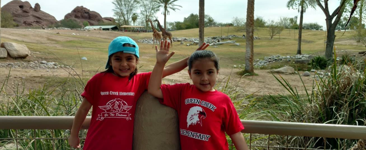 Students posing during Phoenix Zoo field trip